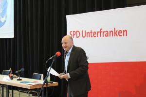 Der Bezirksvorsitzende Bernd Rützel betonte, dass es der innerparteilichen Demokratie gut tue, wieder direkt miteinander debattieren zu können